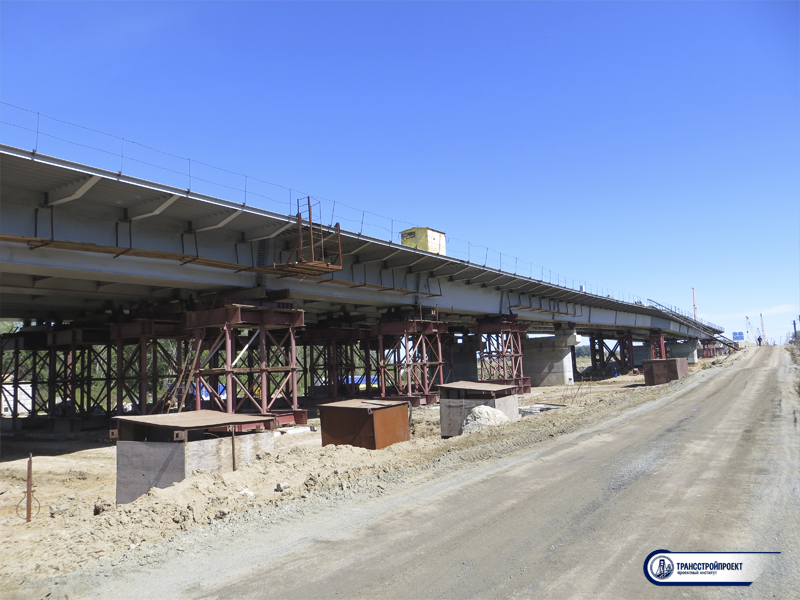 Мост через ж_д пути по улице Суюнбая в г. Алматы