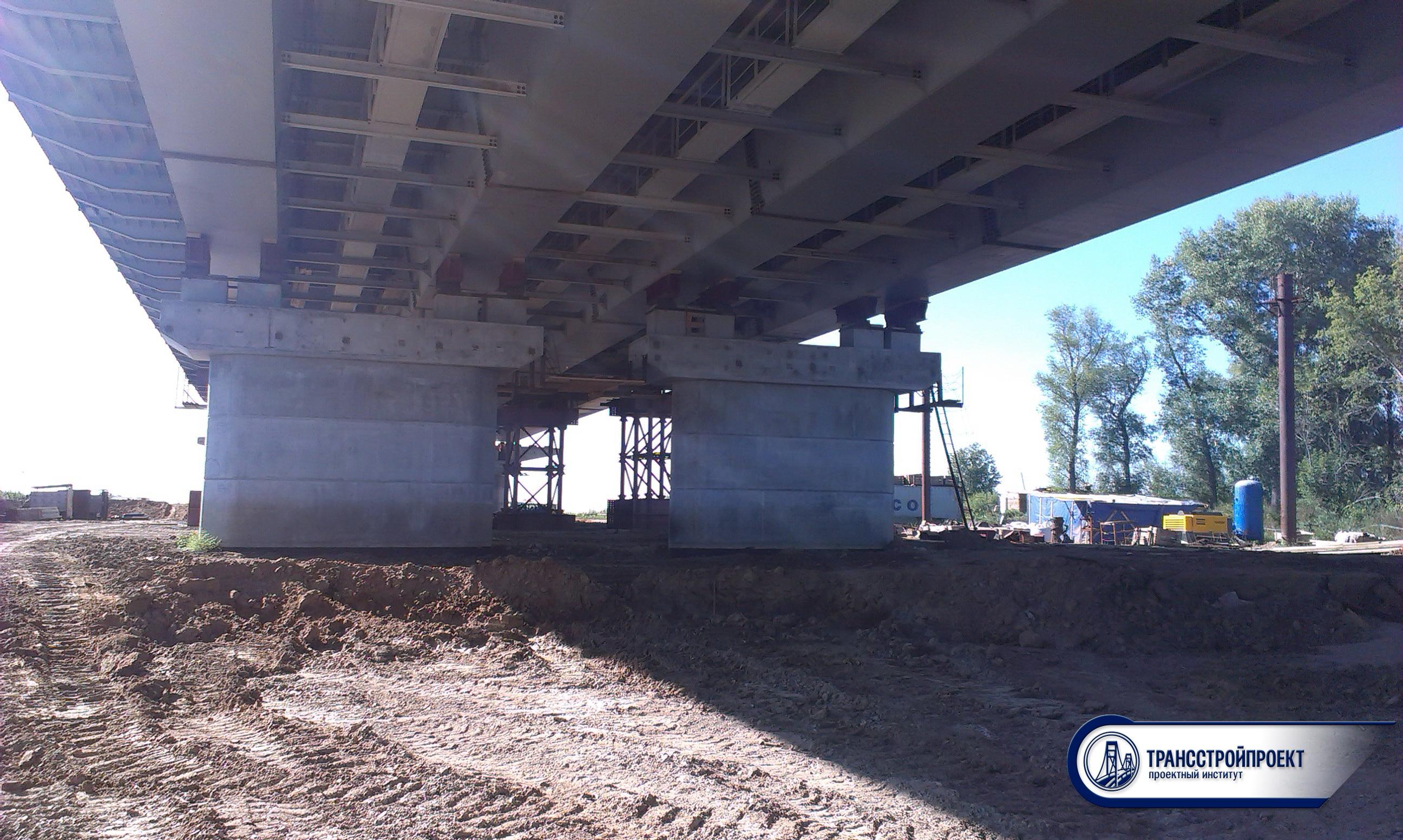 Общий вид опор моста через старый Иртыш