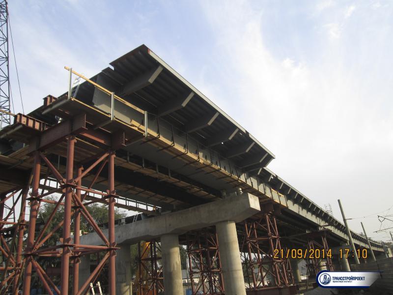 Строительство путепровода через ж_д пути по Суюнбая. Алматы