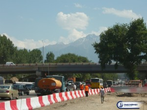 Городской путепровод на пересечении улиц Саина и Толи Би (г. Алматы)